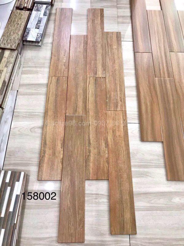 Gạch ốp tường giả gỗ 15x80 hcm