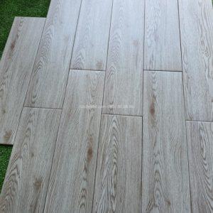Gạch gỗ 15x60 giá rẻ phú quốc