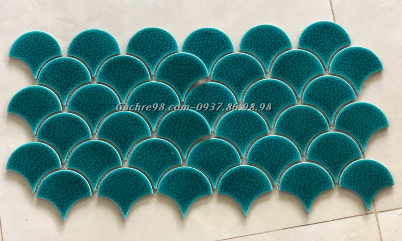 Gạch mosaic vảy cá men rạn