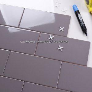 Gạch thẻ ốp tường màu xám