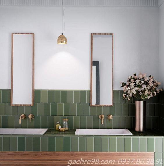 Gạch màu xanh ốp không gian chậu rửa tay
