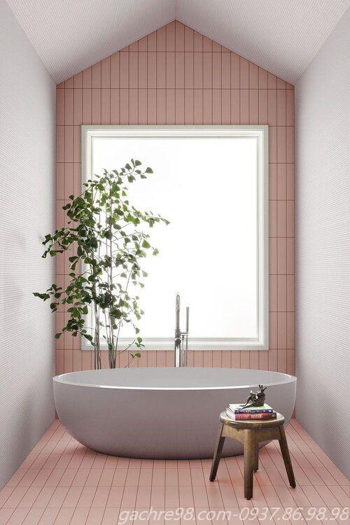 Gạch thẻ màu hồng ốp tường phòng tắm đẹp